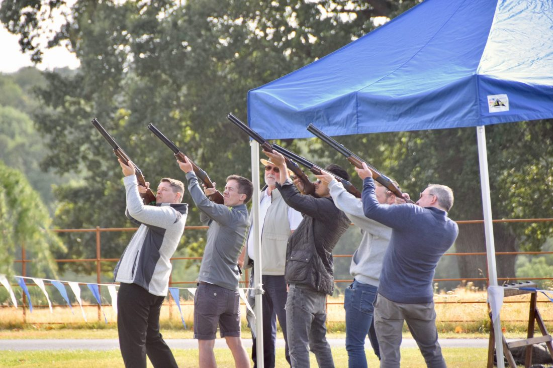 Simulated clay shooting